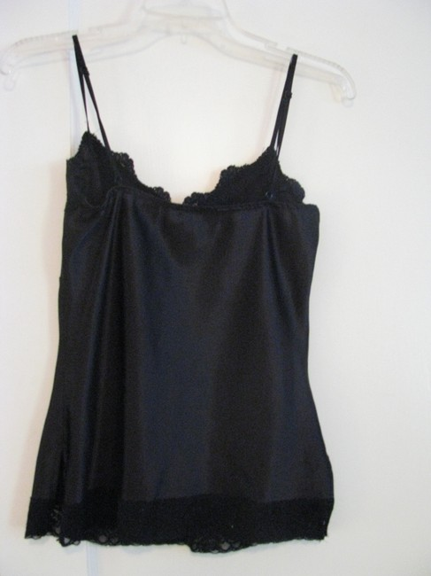m and m Top Black