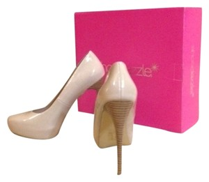 ShoeDazzle Nude Pumps