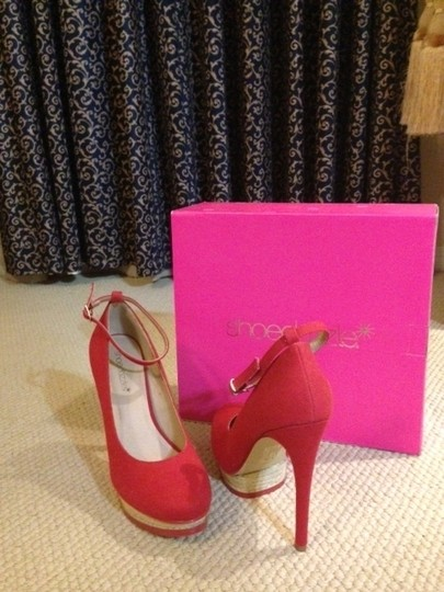 ShoeDazzle Red Pumps