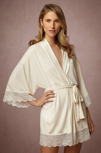 Preload https://img-static.tradesy.com/item/8492818/bhldn-ivory-beige-venezia-robe-0-0-540-540.jpg