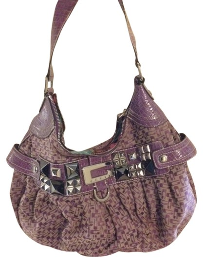Preload https://img-static.tradesy.com/item/849286/guess-purple-shoulder-bag-0-0-540-540.jpg