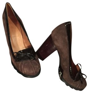 Hunter Brown Pumps