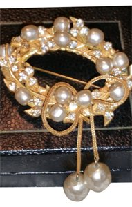 Miriam Haskell Vintage Foux-Pearl Brooch
