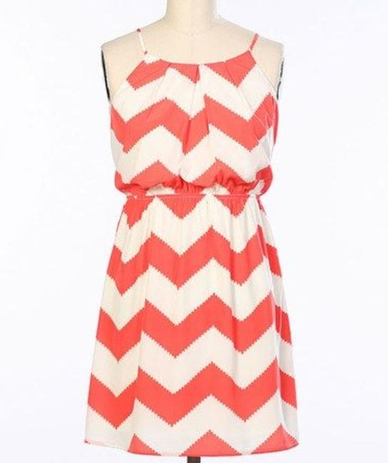 Item - Coral White Above Knee Short Casual Dress Size 12 (L)