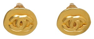 Chanel Chanel Round Gold CC Clip On Earrings 96P