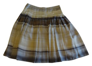 Theory Skirt cream with shade of grey