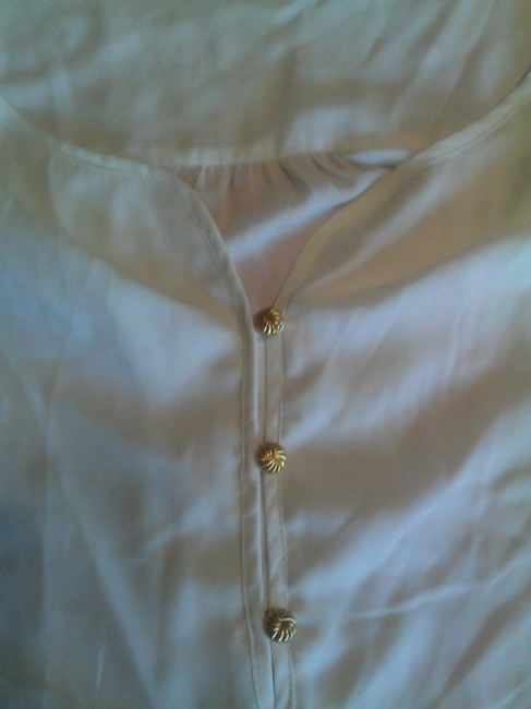 Daniel Rainn Spring Summer Chic Gold Hardware Top creme
