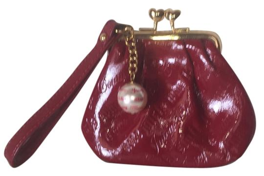 Preload https://img-static.tradesy.com/item/8510401/juicy-couture-red-wristlet-0-2-540-540.jpg