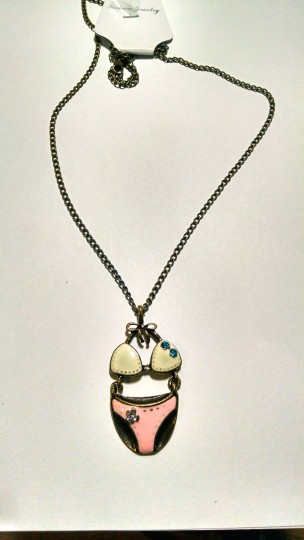 Other New Swim Suit Pendant Necklace Antiqued Gold Pink White J1496 Image 2