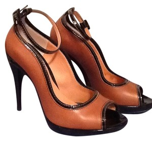Dolce & Gabbana Brown Pumps