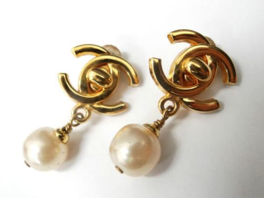 Chanel Auth CHANEL Earrings CC logos Faux Pearl Gold tone DROP DANGLE Clip-On 96P Image 3