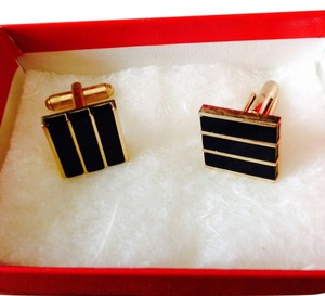 Other Stunning gold-tone with onyx inlay cufflinks