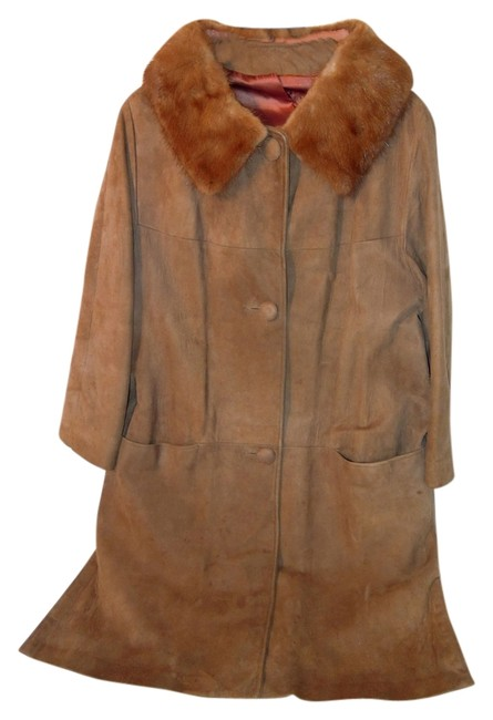 Preload https://img-static.tradesy.com/item/8524936/brown-vintage-leather-trench-coat-size-10-m-0-2-650-650.jpg