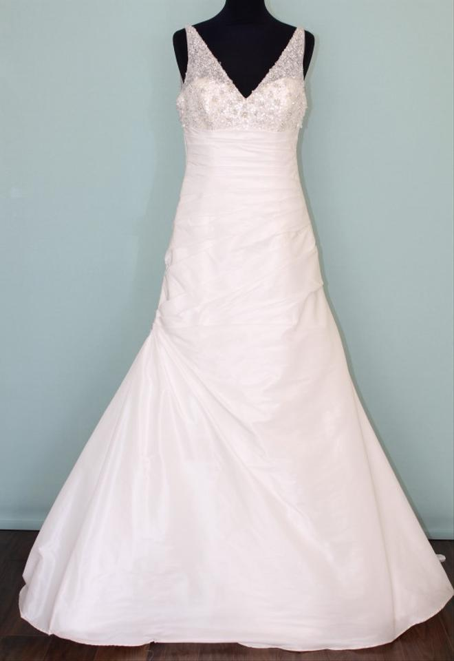 Maggie sottero bliss royale wedding dress on sale 54 off for Maggie sottero wedding dress sale