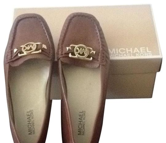 Preload https://item3.tradesy.com/images/michael-by-michael-kors-camelcognac-flats-852692-0-0.jpg?width=440&height=440