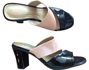 Naturalizer Black and nude Sandals