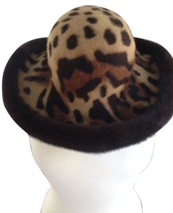 Mary Pihiaja Genuine Mink Hat with Leopard