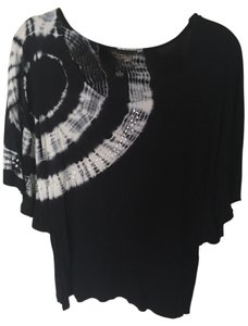 INC International Concepts Top Black and white
