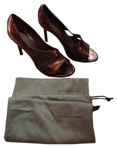 Bottega Veneta Bronze Pumps