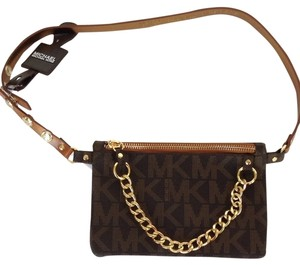 e4bf8d2a6a35 Michael Kors Brown Bags - Up to 90% off at Tradesy