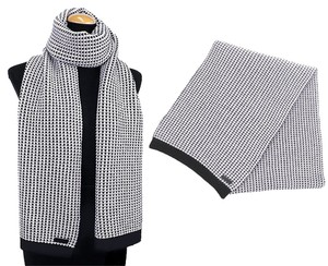 Coach Coach Tricolor Tuck Stitch Long Scarf BLACK/WHITE F85218 NEW WITH TAG
