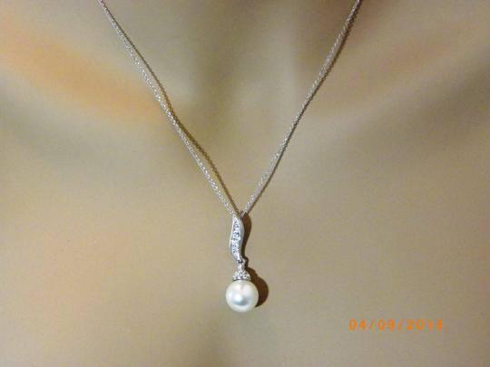 White / Ivory Of 6 Necklace and Earrings Bridesmaid Gift Jewelry Set Image 4