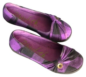 Blowfish Malibu Button Fabric black, purple plaid Flats