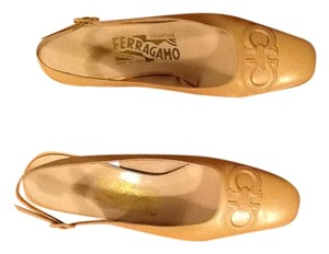 Salvatore Ferragamo Camel leather Pumps