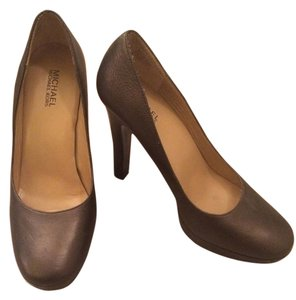 Michael Kors Mk Chrome Brown Pumps