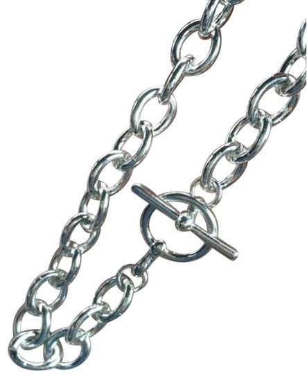 Preload https://img-static.tradesy.com/item/853931/elliot-francis-silver-plated-thick-chain-toggle-bracelet-0-0-540-540.jpg
