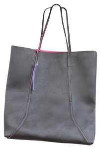 Bloomingdale's Tote in Black, Pink