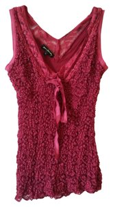 Ann Ferriday Lace Sleeveless Top raspberry