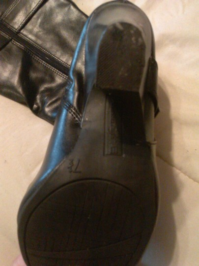 American Eagle Outfitters Chic Faux Leather black Boots