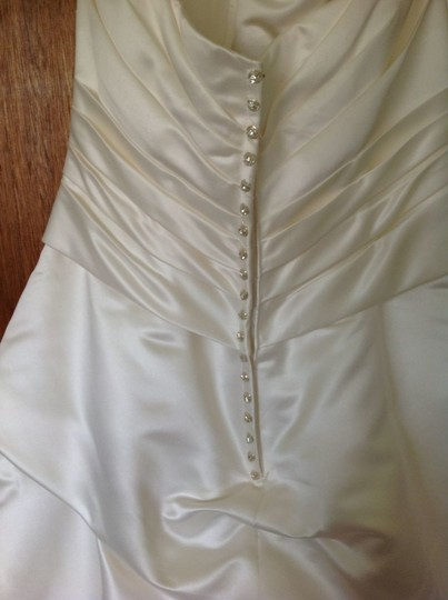 Casablanca Ivory Satin A046 and Sa004 Sash Traditional Wedding Dress Size 10 (M)