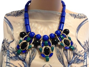 Statement necklace in Blue