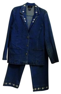 Denim & Co. Denim & Co. Embroidered Jacket and Capri Pants Suit Size Large