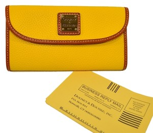 Dooney & Bourke Dooney & Bourke NWT Pebble Leather Wallet Clutch Yellow