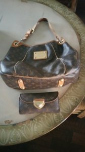 Louis Vuitton Leather Monogram Vintage Shoulder Bag