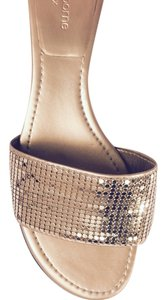 Liz Claiborne All Sequins In Place Look New Gently Worn Comfortable Gold Sandals