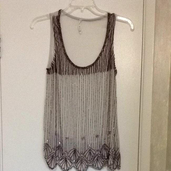 Willow & Clay Top Off White With Brown Beading