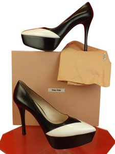 Miu Miu black white Pumps