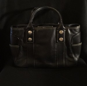Michael Kors Like New Barely Used Satchel in Black