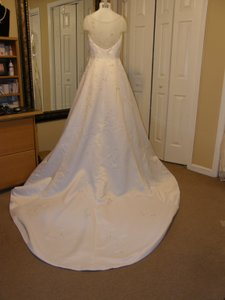 VENUS 8207 Wedding Dress