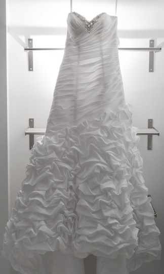 Alfred Angelo White Taffeta Modern Wedding Dress Size 6 (S)