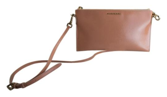 Preload https://img-static.tradesy.com/item/8579548/burberry-peyton-patent-wristlet-coral-pink-leather-cross-body-bag-0-1-540-540.jpg