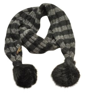 Louis Vuitton Wool Fur Double Layered Knit Scarf