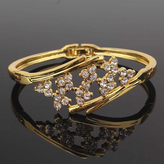 other New 18k Yellow Gold Filled Blossom Austrian Crystal Bracelet Bangle Image 2