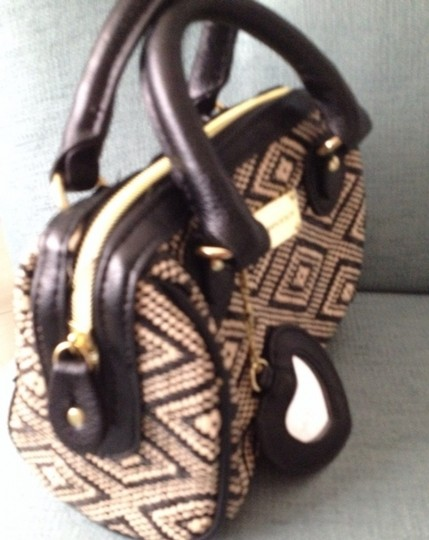 Steve Madden Tote in Black And Offwhite Image 1