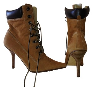 Bakers Lace Up Suede Wood Pointed Toe Womens Tan Workboot Stilettos 9 Boots