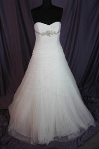 Pronovias Off White Morbido Tulle Barbara Traditional Wedding Dress Size 12 (L)